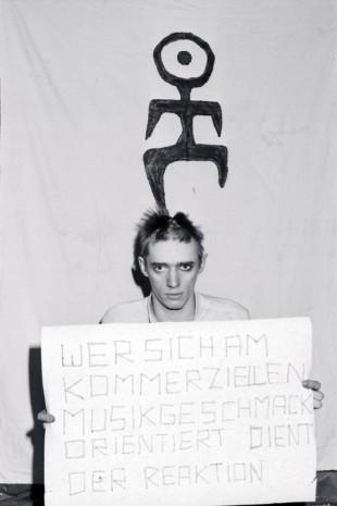 Blixa Bargeld 1980, fotó: Horst Blohm BMOVIE