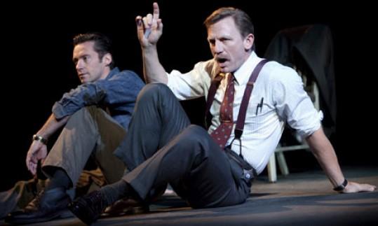 Daniel Craig és Hugh Jackmen az A Steady Rain c. előadásban, forrás: AP/The Hartman Group/Joan Marcus