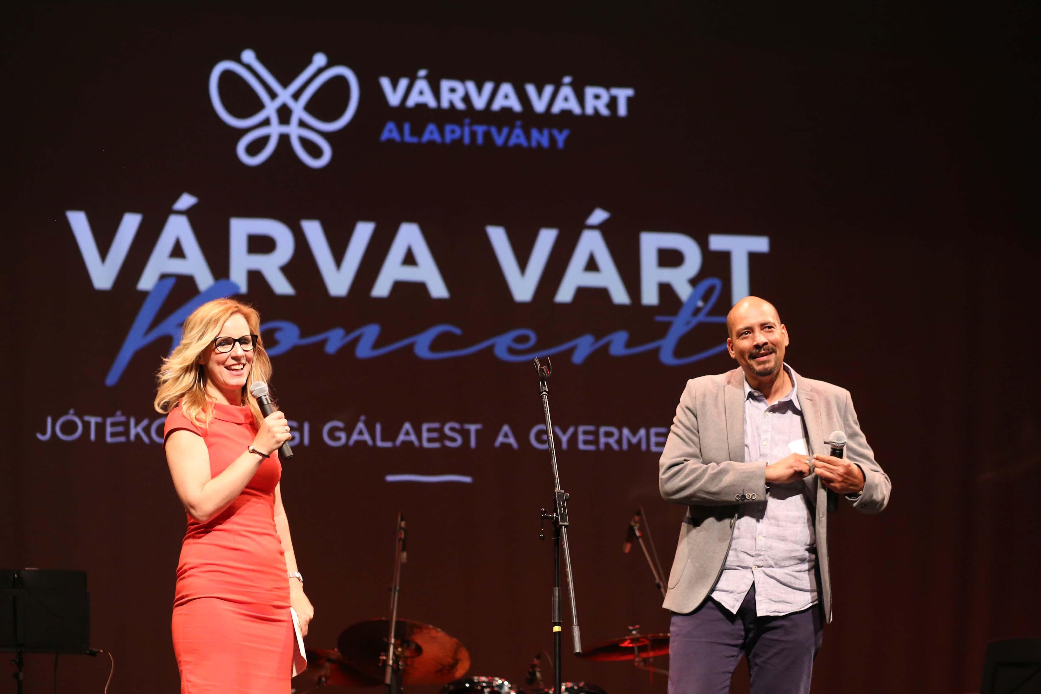 A  Várva Várt Alapítvány jótékonysági gálaestje. Fotó: Somorjai László.