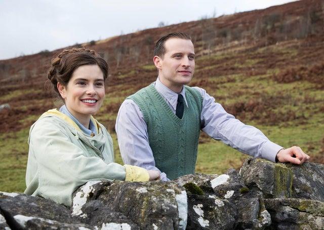 Jelenet a sorozatból: Helen és James