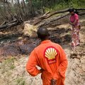 Kisemberek harca az olajlobbival