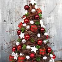 Karácsonyfa vesszőből fonva