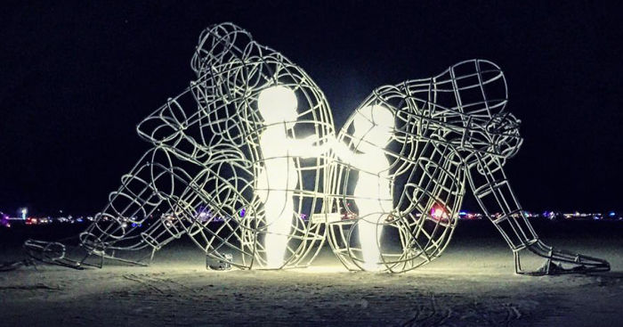 burning-man-festival-adults-babies-love-aleksandr-milov-ukraine-fb_700.jpg