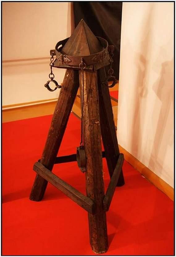 b1f448f8aa Középkori kínzó kütyük (18) - Kütyüshop Blog