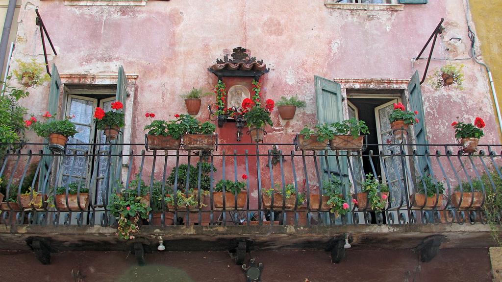 classic-italian-balcony.jpg