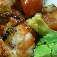 Avokádó saláta garnélával (300kcal)
