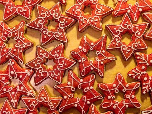 #christmas #christmascookies #honey #stars #laborcafe #charity #charitycafe #donation #love