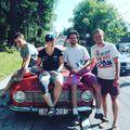 Lesiklás a motorháztetőn #ladatour #ladatourforyuppi #zsiguli #zhiguli #ski #2101 #vaz2101 #miklosedit #hajramagyarok #tusványos #balvanyosiszabadegyetem #si #sieles @kekisziszkooo @csordi_ @bartomi92