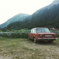 Érkezik a blogposzt #ladatour #ladatourforyuppi #zsiguli #zhiguli #vaz2101 #2101 #redcar #mountains #hills #hiking