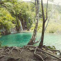 Ma Plitvice volt a cél. Egyértelműen tökéletes első horvátországi megálló. #ladatour #plitvice #croatia #horvátország #bluewater #waterfall #nature #naturepark