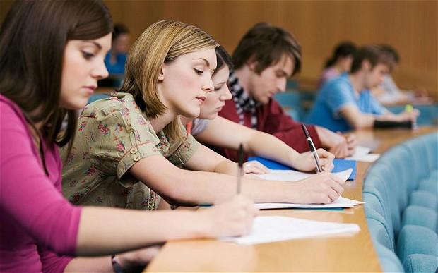 university-student_2630825b.jpg
