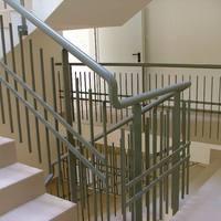 Beköltözött egy hajléktalan a lépcsőházunkba