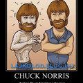 Amikor CHUCK NORRIST megharapja egy zombi...