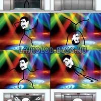 Amikor egyedül vagy a liftben