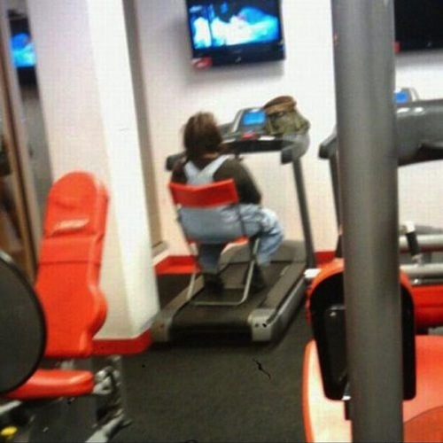 clueless-gym-chair_1.jpg