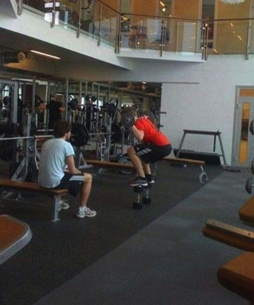 clueless-gym-dumbbell-stand_1.jpg