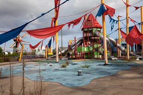 creepy-playgrounds-neworleans.jpg