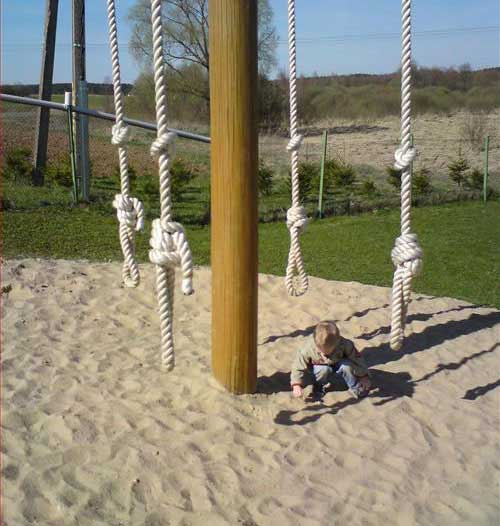 creepy-playgrounds-nooses.jpg