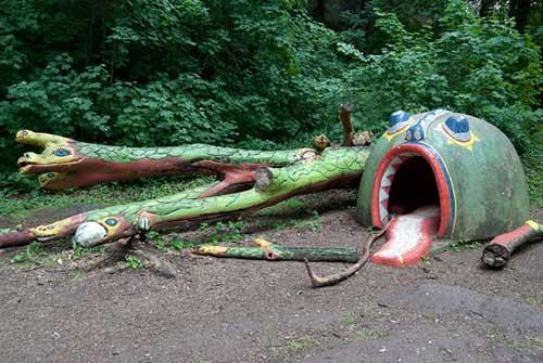 creepy-playgrounds-snake.jpg