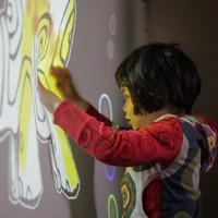Az építész apuka érdekes eszközt fejleszt autista kislányának