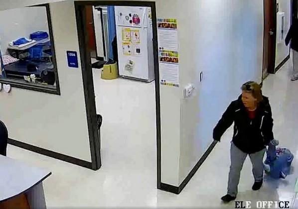 Bántották-e a földön húzva cipelt autista kisfiút a tanárai?