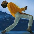 Freddie Mercury újra a színpadon