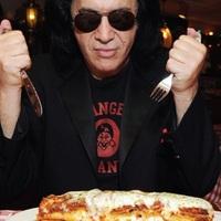 200 millió dollárt ajánlottak Gene Simmonsnak, hogy beszélje rá a Led Zeppelint a visszatérésre