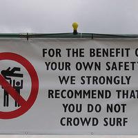 Tilos lesz a moshpit a koncerteken