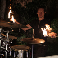 A lángoló dobverők és a csodaszarvas legendája - Interjú Ziskó Olivérrel