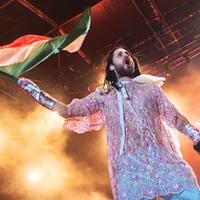 Csudaszép képek a csudaszépen csillogó Jared Letóról, a Thirty Seconds To Mars-koncertről