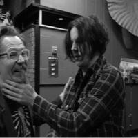 Gary Oldman rendezi Jack White ma esti Youtube-koncertjét