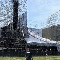 Összeomlott a Radiohead színpadja Torontóban, egy halott