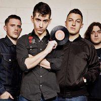 Állítólag már májusban megjelenik az új Arctic Monkeys-nagylemez