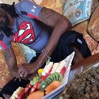 Snoop Dogg furcsán viselkedett, ezért bevitték a svéd rendőrök