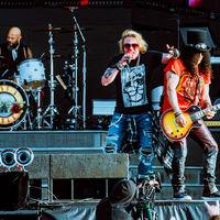 Kínos vagy nem kínos? - Guns N' Roses-koncerten jártunk