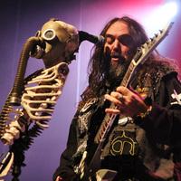 Visszatérés a kereskedelmi öngyilkosság után - Max Cavalera turnéra viszi a Nailbomb lemezét