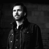 A Kayo Dot énekes, gitáros, zenekarvezető zsenije, Toby Driver legújabb szólólemezével ismét Szegeden koncertezik