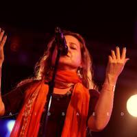 Burns Kati a pakisztáni Lahooti Fesztiválon