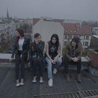 Ilyen az, amikor magyar lányok amerikai glam rockot játszanak - Sniffyction-premier