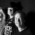 Az AC/DC nagyon elégedett Axl Rose munkájával