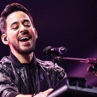 A Linkin Park frontembere dalokat írt a zenekar elhunyt énekeséről