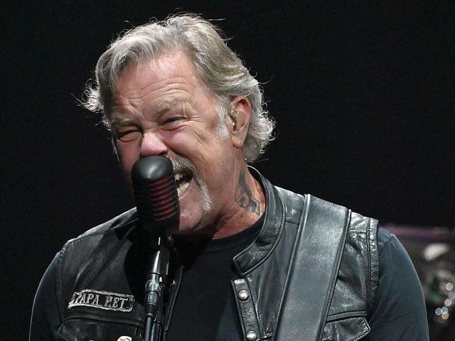 Lemondta soron következő turnéit a Metallica James Hetfield rehabilitációs kezelése miatt