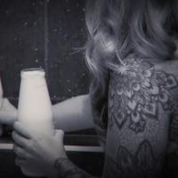 Tiszteletadás és tejben ázó csöcsök - Itt az Omega Diatribe The Prodigy-feldolgozása