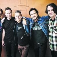 Itt egy új Pearl Jam-dal, március végén új lemez, nyáron pesti koncert