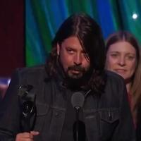 Itt a Nirvana Rock And Roll Hall Of Fame-es beiktatása tökéletes minőségben
