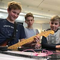 Dalszerzést az osztálytermekbe! - Kreatív fejlesztés könnyűzenével