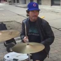 Eddie Vedder utcazenélgetett kicsit