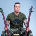 Ibanez - endorser lett Szórád Jimmy, a Kowalsky meg a Vega basszusgitárosa