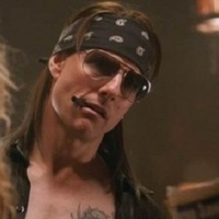 Tom Cruise Guns N' Rosest énekel