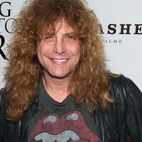Hasba szúrta magát Steven Adler, a Guns N' Roses eredeti dobosa